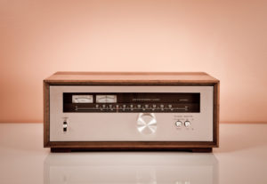 radioretro09 300x207 Vintage Stereo Tuner in Wooden Cabinet